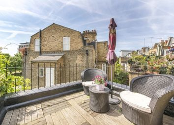 Thumbnail 3 bed flat to rent in Cremorne Road, London