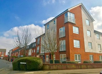 Thumbnail 2 bed flat to rent in Longwood Avenue, Langley, Slough