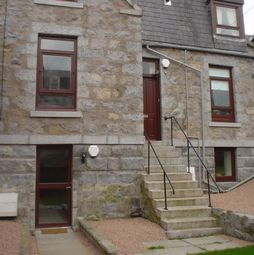 Thumbnail 4 bed flat to rent in Holburn Street, The City Centre, Aberdeen