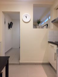 Thumbnail Studio to rent in Inverness Terrace, Bayswater, Queensway, Hyde Park