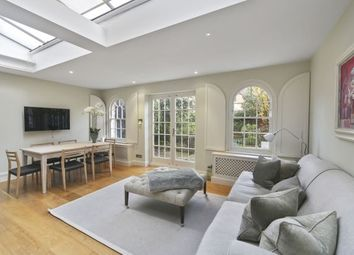 Thumbnail 5 bed property to rent in Ranelagh Avenue, Parsons Green