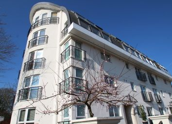 Thumbnail 2 bed flat to rent in Melfield Gardens, London