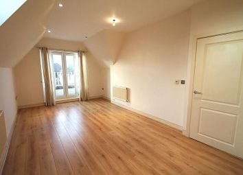 Thumbnail 1 bedroom flat to rent in Ladbroke Road, Redhill