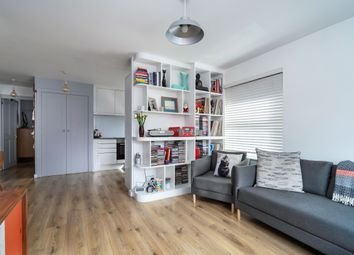 Thumbnail 1 bed flat for sale in White Hart Street, London