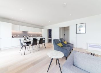 2 bed flat to rent in Summerston House, 51 Starboard Way, Royal Wharf, London E16