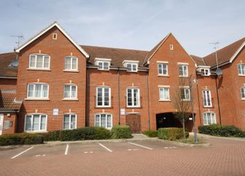 Thumbnail 2 bedroom flat for sale in Orchard Street, Rainham, Gillingham