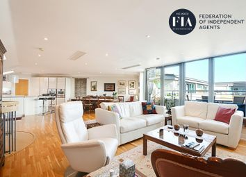 Moorings House, Tallow Road, Brentford TW8. 3 bed flat for sale