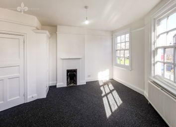 3 bed flat to rent in George Lane, London E18