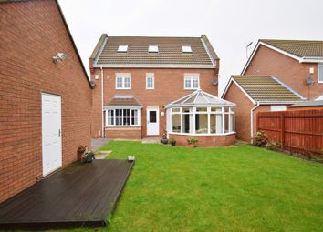 Thumbnail 5 bedroom detached house for sale in Rivelin Park, Kingswood, Hull