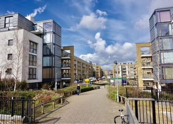 Thumbnail 2 bed flat to rent in 11 Canalside Square, Islington