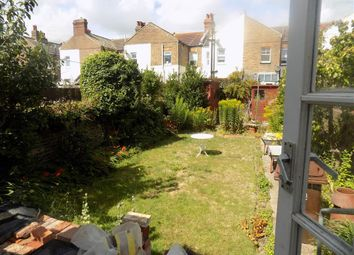 Thumbnail 4 bed property to rent in Cavendish Avenue, Eastbourne
