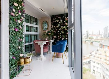 Thumbnail 1 bed flat for sale in Falcon Wharf, 34 Lombard Road, London