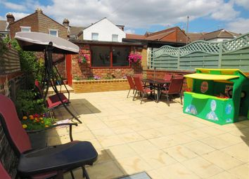 Thumbnail 2 bed flat for sale in Queens Road, Portsmouth
