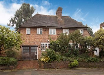 Thumbnail 6 bed detached house for sale in Wellgarth Road, Hampstead Garden Suburb