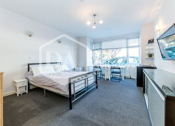 Thumbnail 3 bed flat to rent in Caledonian Road, Islington King's Cross Holloway, London