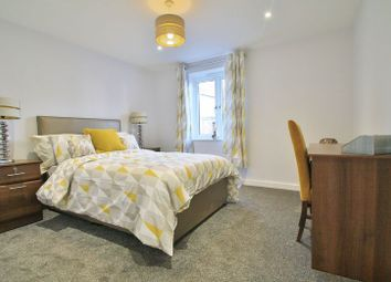 Thumbnail 1 bedroom flat for sale in Barnaby Court, Wallingford