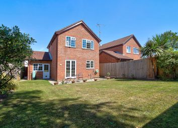 Northumberland Close, Warfield, Bracknell RG42. 3 bed detached house for sale