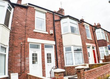 Thumbnail 3 bed flat to rent in Iona Road, Gateshead