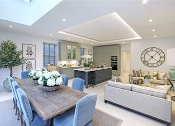 Thumbnail 5 bed detached house for sale in Staplands Manor, Oatlands Chase, Weybridge, Surrey