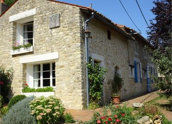 Thumbnail 4 bed property for sale in Poitou-Charentes, Vienne, Chalandray