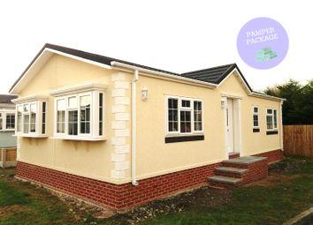 Thumbnail 2 bed mobile/park home for sale in Station Road, Sandycroft, Deeside, Flintshire