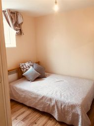 Thumbnail Room to rent in Benedict Square, Coventry