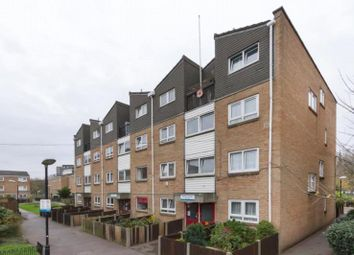 Thumbnail 3 bed flat to rent in Salisbury Close, London