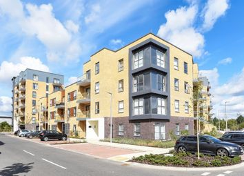 Thumbnail 1 bed flat to rent in Peregrine House, Reading