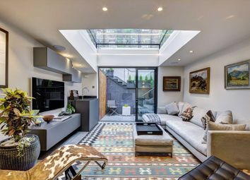Thumbnail 3 bed detached house for sale in Molyneux Street, London
