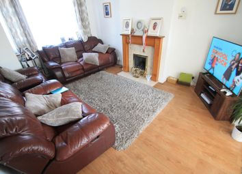 Thumbnail 3 bed property to rent in Kynance Close, Luton