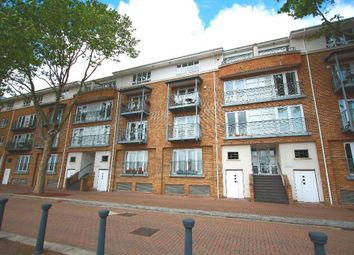 Thumbnail 3 bed flat to rent in Rainbow Quay, Rope Street, Surrey Quays, London