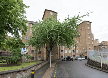 Thumbnail 3 bed flat to rent in Russell Pickering House, Clapham Road, London