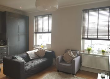 Thumbnail 2 bed flat to rent in Tabley Road, London