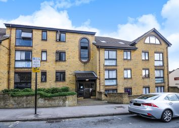 Thumbnail 2 bedroom flat for sale in The Retreat, Thornton Heath
