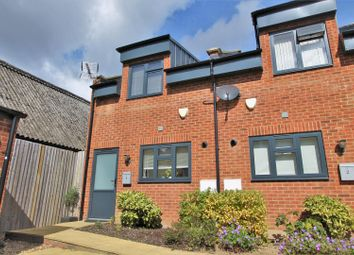 2 bed property for sale in Whippendell Road, Watford WD18