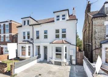 Thumbnail 3 bedroom flat to rent in Station Road, London N3,