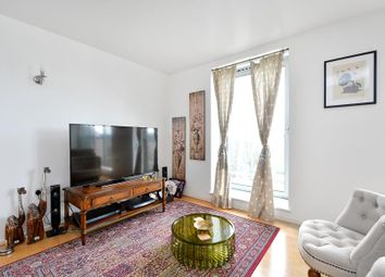 Thumbnail 2 bedroom flat for sale in Narrow Street, London