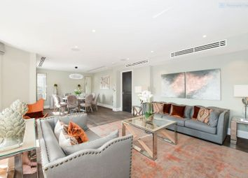 Thumbnail 4 bed flat to rent in Arkwright Road, Hampstead, London