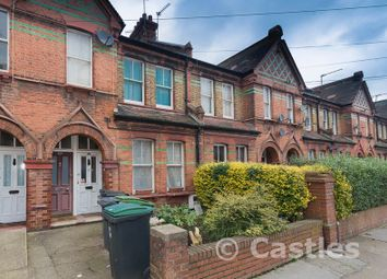 Thumbnail 3 bedroom flat to rent in Gladstone Avenue, London