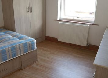 Thumbnail 6 bedroom flat to rent in Spenceley Street, Leeds