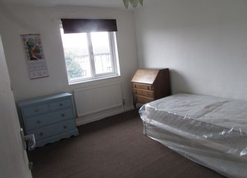 Thumbnail Room to rent in Melrose Close, London