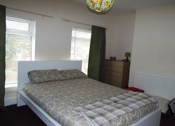 Thumbnail 3 bed property to rent in Holly Court, High Street, Northfleet, Gravesend