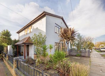 3 bed detached house to rent in St. Thomas Road, London W4