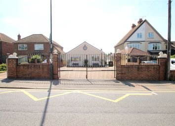 3 bed bungalow for sale in Pattens Lane, Rochester, Kent ME1