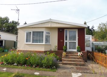 Thumbnail 2 bedroom mobile/park home for sale in Hillview Park Home Estate, Oare, Marlborough