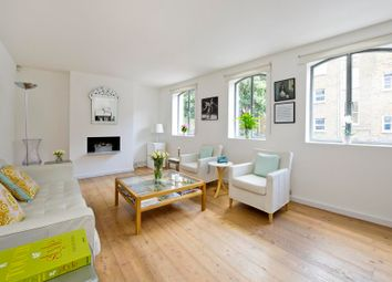 1 bed property to rent in Greens Court, Lansdowne Mews, London W11