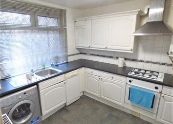 3 bed flat to rent in Locton Green, Bow E3