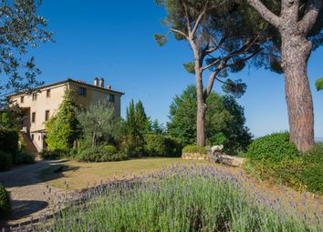 Thumbnail 9 bed villa for sale in Montepulciano, Siena, Tuscany, Italy