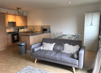 2 bed flat to rent in Albion Gardens, Edinburgh EH7