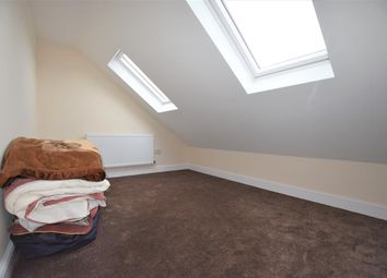 Thumbnail Room to rent in Gantshill Crescent, Ilford